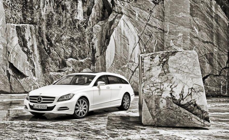 2013 Mercedes-Benz CLS500 4MATIC Shooting Brake - Slide 30