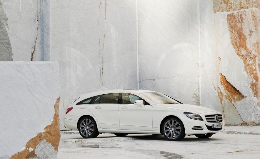 2013 Mercedes-Benz CLS500 4MATIC Shooting Brake - Slide 36