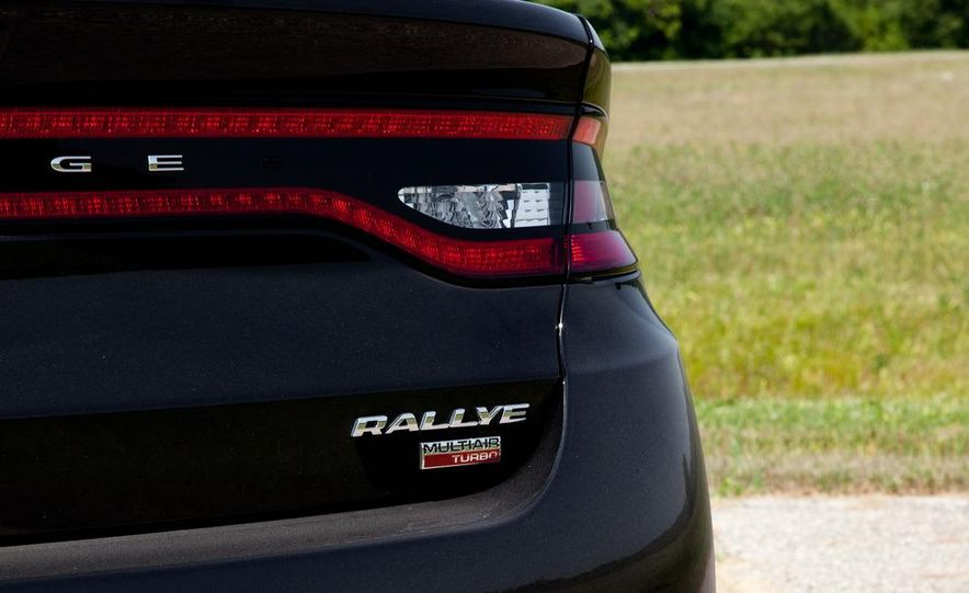 2013 Dodge Dart Rallye - Slide 13