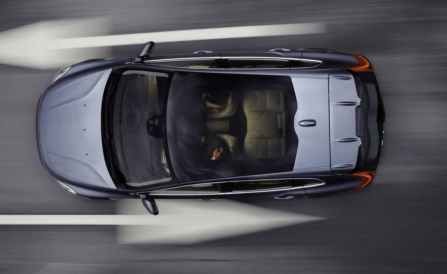 2013 Volvo V40 - Slide 5