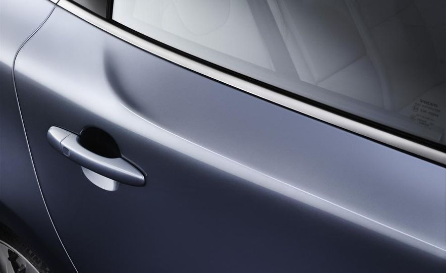 2013 Volvo V40 - Slide 16