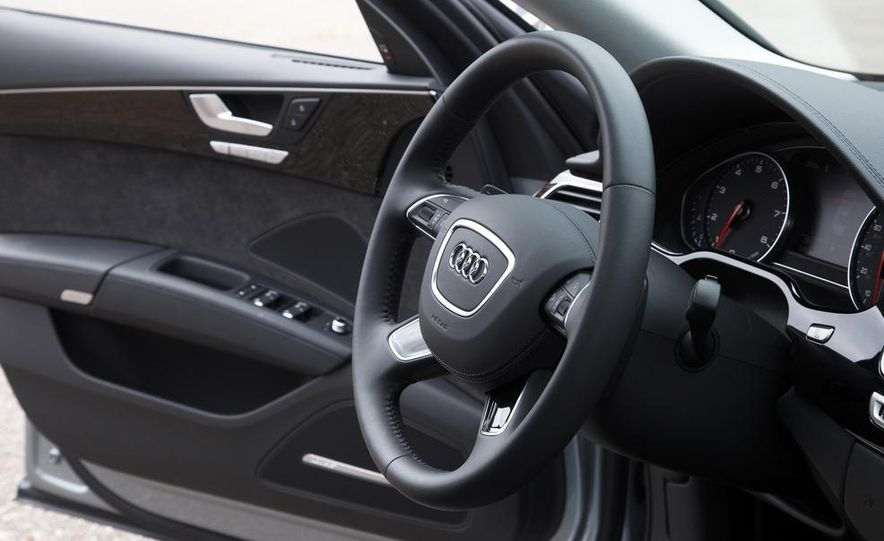 2013 Audi A8L 3.0T Quattro - Slide 24