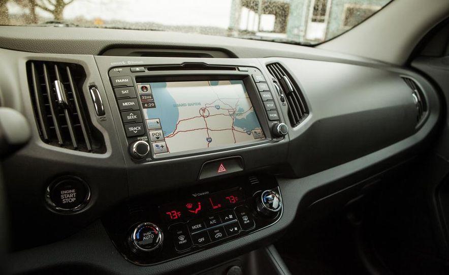 2012 Kia Sportage SX AWD - Slide 16