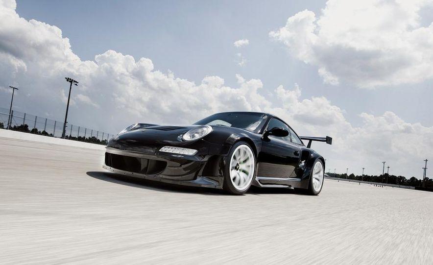 Champion Motorsport Porsche 911 Turbo RSR - Slide 3
