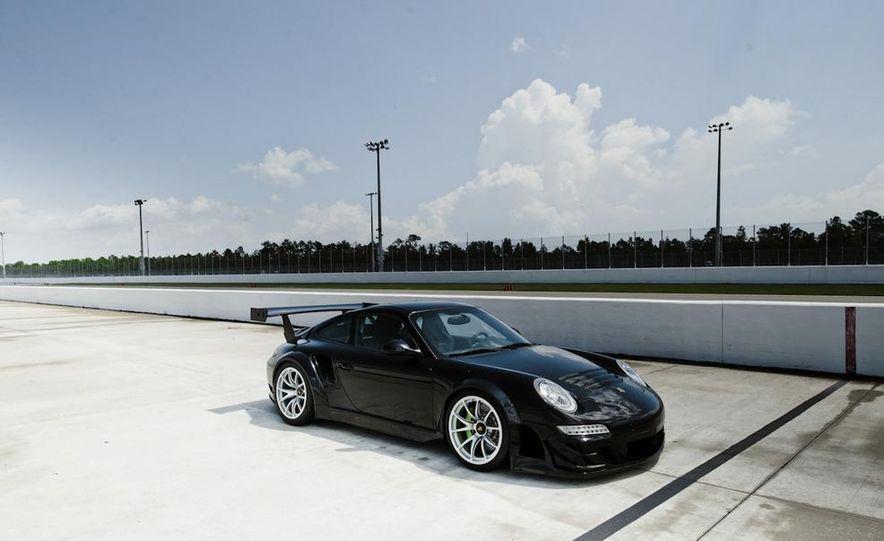 Champion Motorsport Porsche 911 Turbo RSR - Slide 5