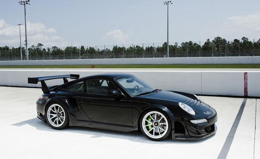 Champion Motorsport Porsche 911 Turbo RSR - Slide 7