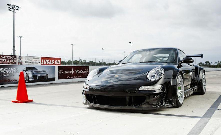 Champion Motorsport Porsche 911 Turbo RSR - Slide 11
