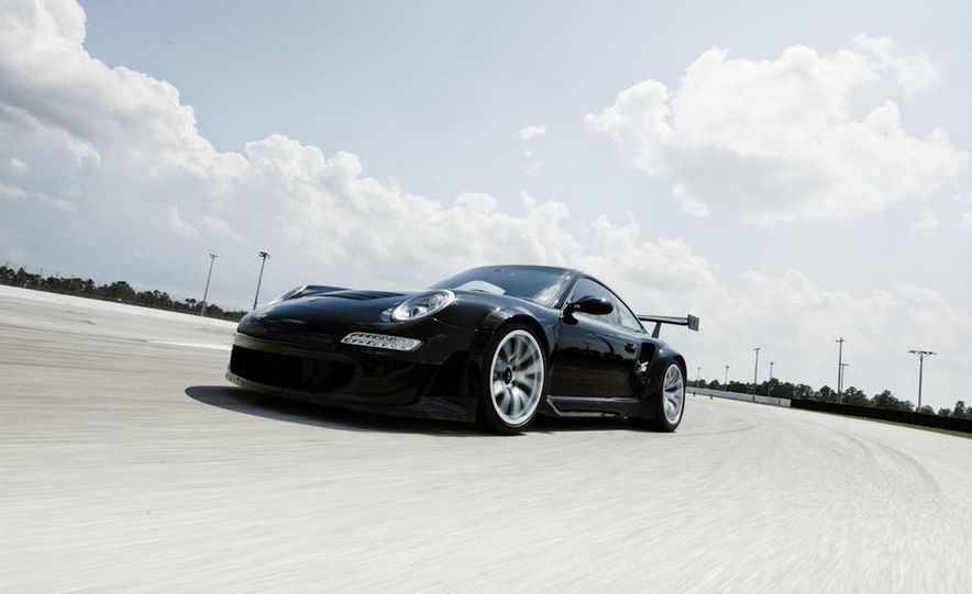 Champion Motorsport Porsche 911 Turbo RSR - Slide 16