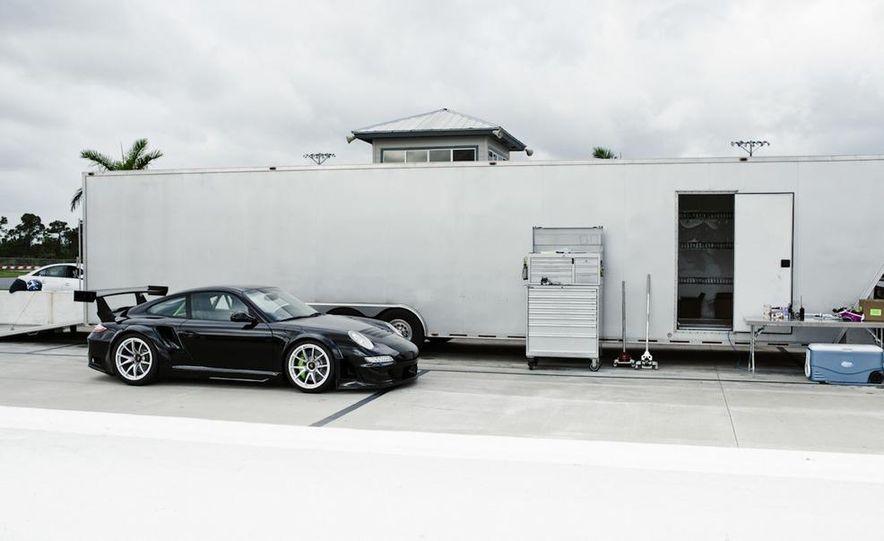 Champion Motorsport Porsche 911 Turbo RSR - Slide 17