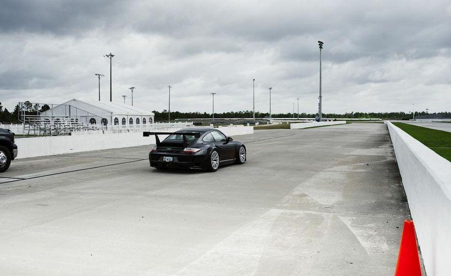 Champion Motorsport Porsche 911 Turbo RSR - Slide 19