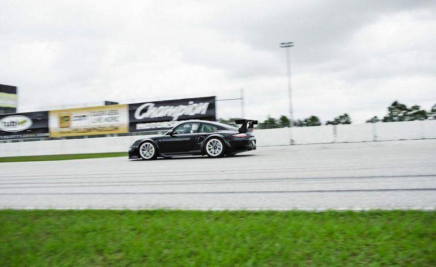 Champion Motorsport Porsche 911 Turbo RSR - Slide 21