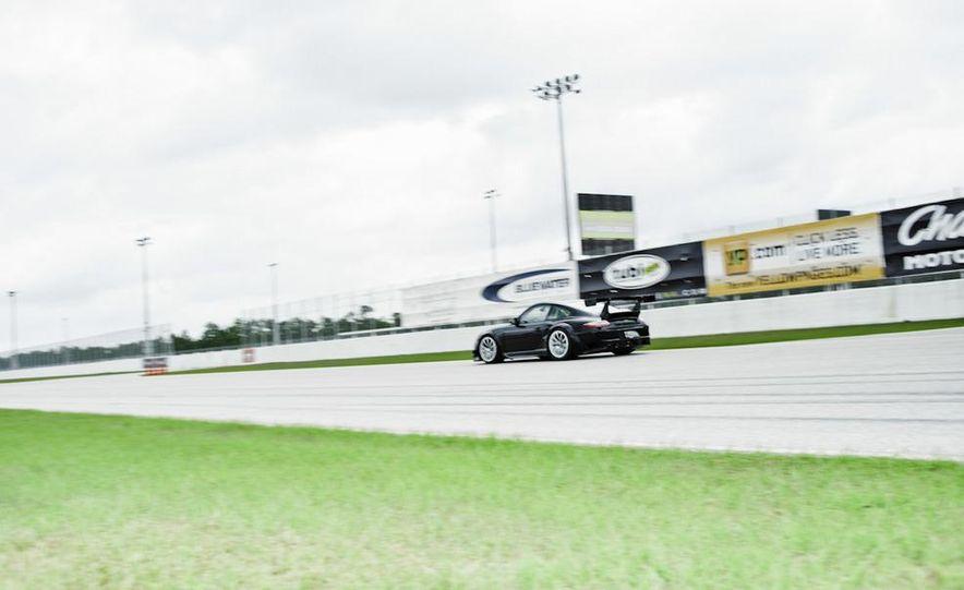 Champion Motorsport Porsche 911 Turbo RSR - Slide 22