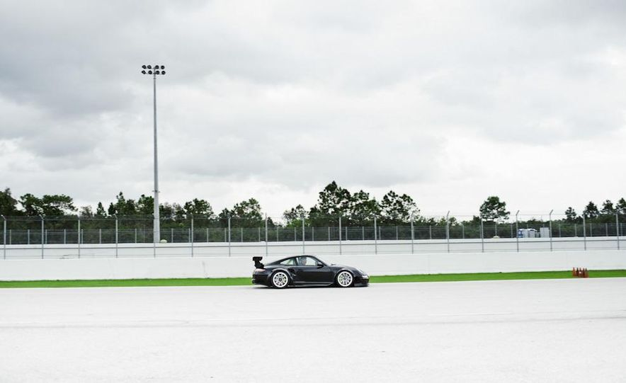 Champion Motorsport Porsche 911 Turbo RSR - Slide 24