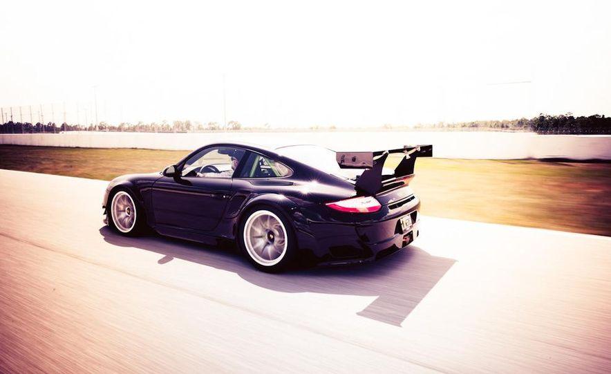 Champion Motorsport Porsche 911 Turbo RSR - Slide 28