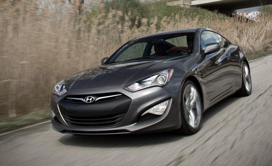 2013 Hyundai Genesis 3.8 R-Spec coupe - Slide 1