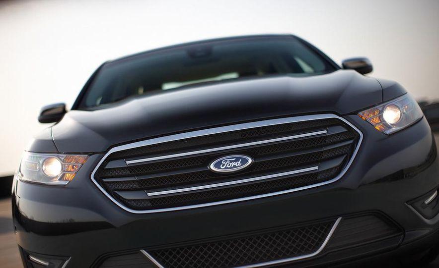 2013 Ford Taurus Limited 2.0L EcoBoost - Slide 3