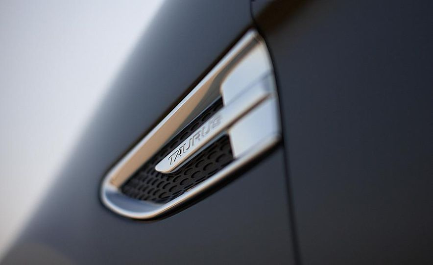 2013 Ford Taurus Limited 2.0L EcoBoost - Slide 8