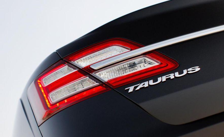 2013 Ford Taurus Limited 2.0L EcoBoost - Slide 6