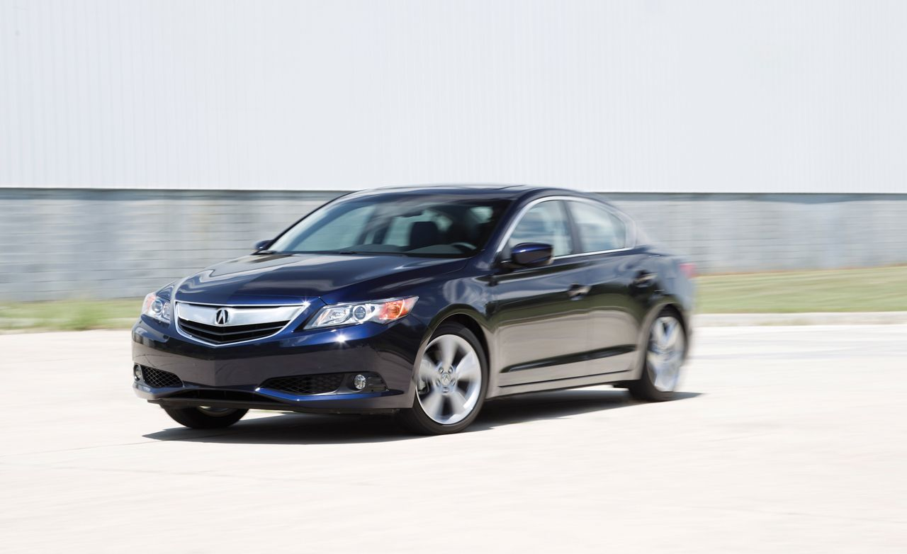 Acura ILX Reviews Acura ILX Price Photos And Specs Car And Driver - Acura tsx wheel offset