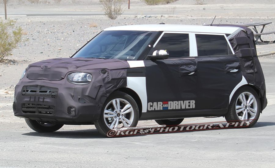 2014 kia soul spy photos news car and driver. Black Bedroom Furniture Sets. Home Design Ideas