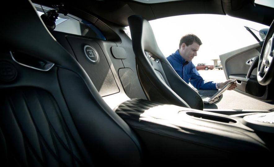 2012 Bugatti Veyron 16.4 Grand Sport - Slide 23