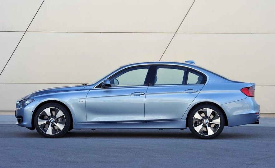 2013 BMW ActiveHybrid 3 - Slide 1