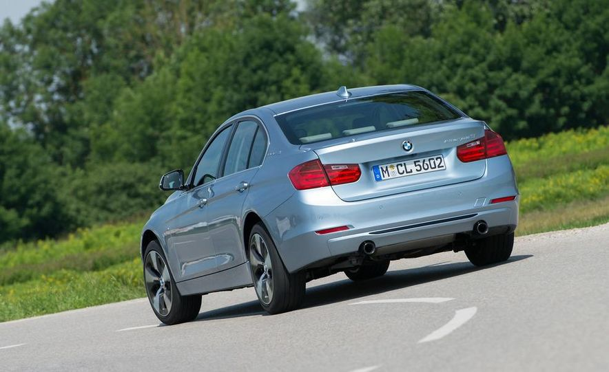 2013 BMW ActiveHybrid 3 - Slide 11