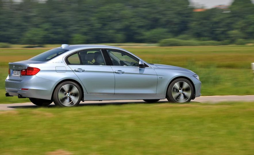 2013 BMW ActiveHybrid 3 - Slide 15