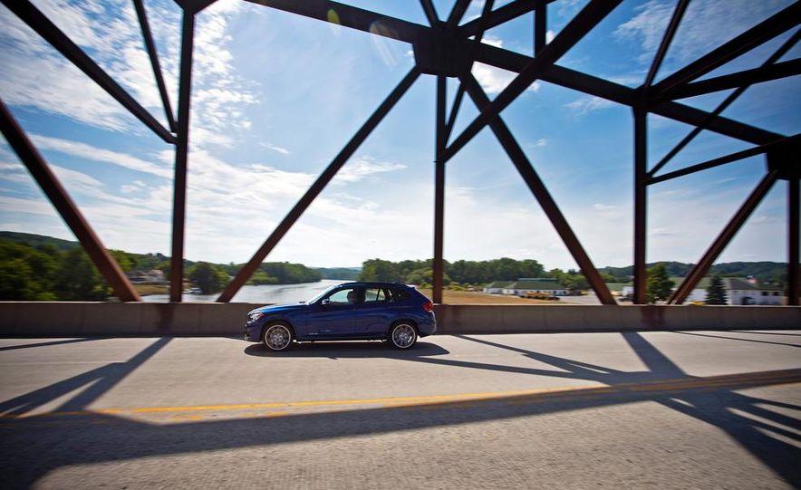 2013 BMW X1 xDrive35i - Slide 9