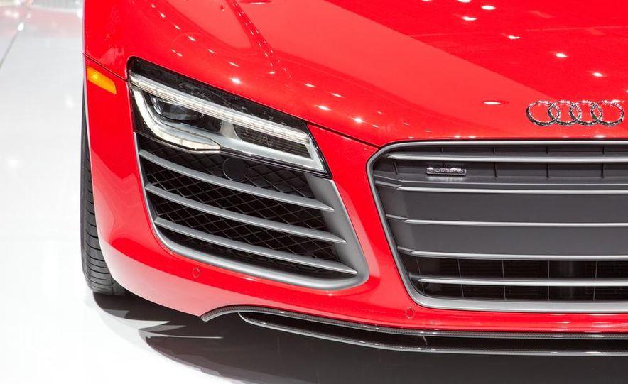 2013 Audi R8 - Slide 14