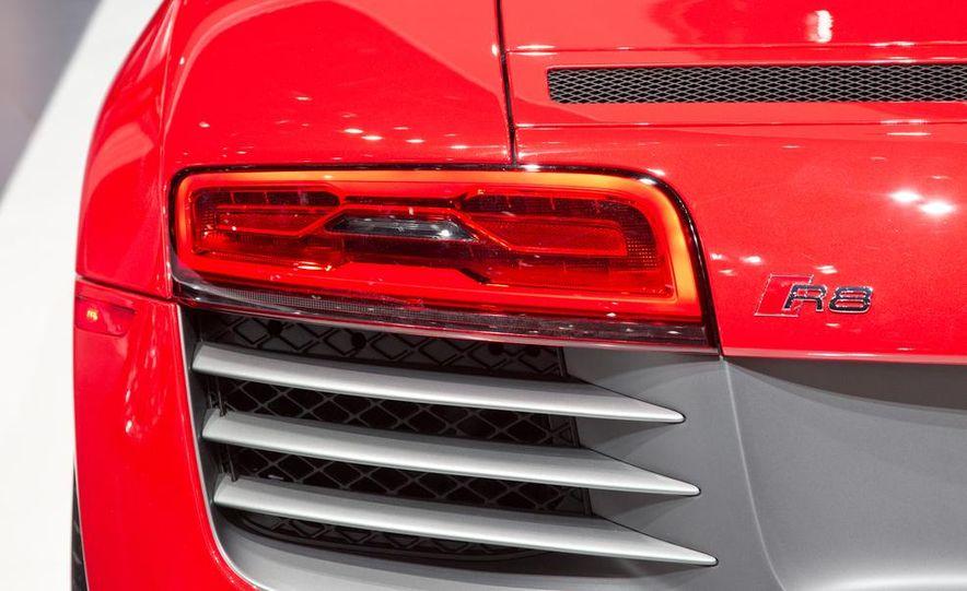 2013 Audi R8 - Slide 17