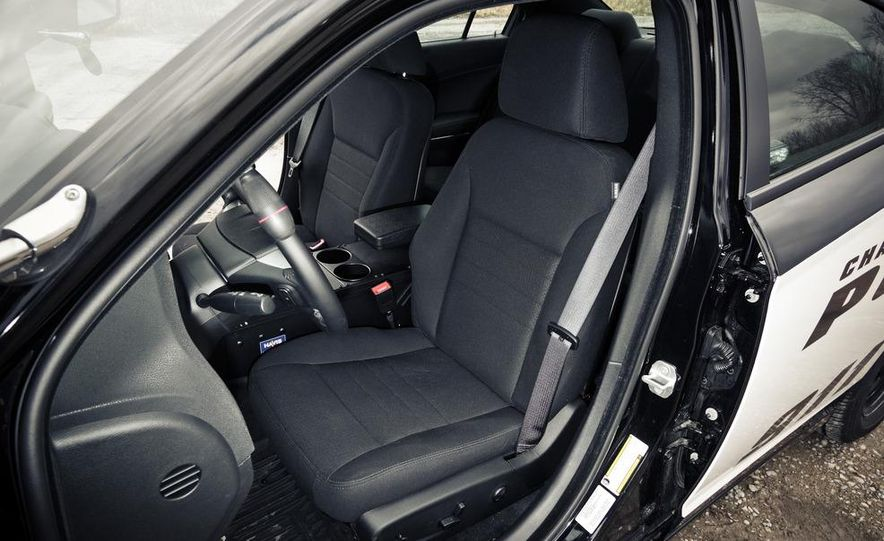 2012 Dodge Charger Pursuit Police Package - Slide 24