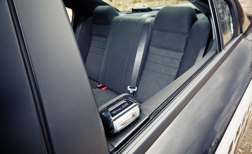 2012 Dodge Charger Pursuit Police Package - Slide 25