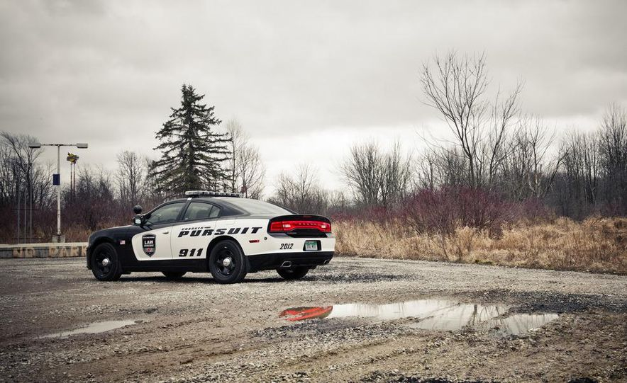 2012 Dodge Charger Pursuit Police Package - Slide 10