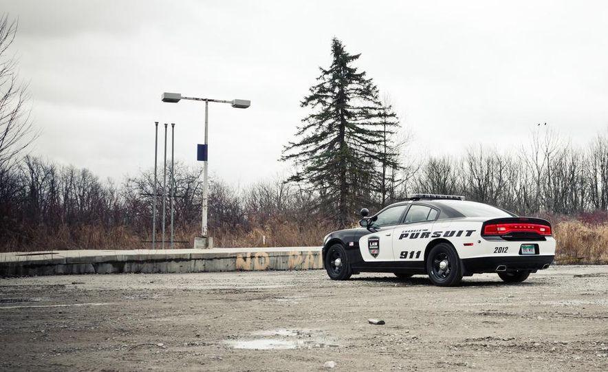 2012 Dodge Charger Pursuit Police Package - Slide 13