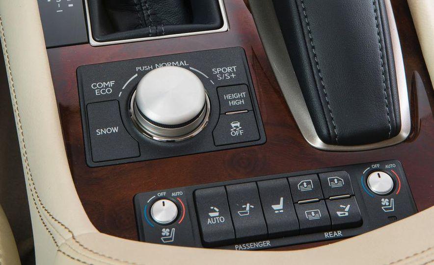 2013 Lexus LS460 AWD - Slide 8