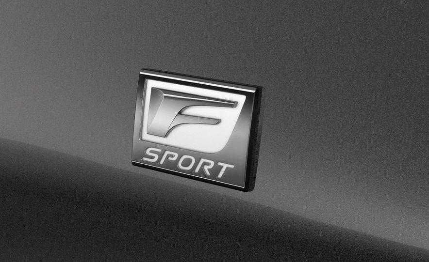 2013 Lexus LS460 AWD - Slide 16
