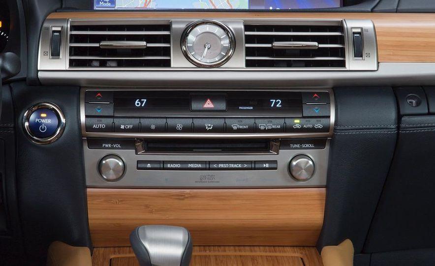 2013 Lexus LS460 AWD - Slide 22