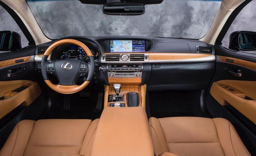 2013 Lexus LS460 AWD - Slide 20