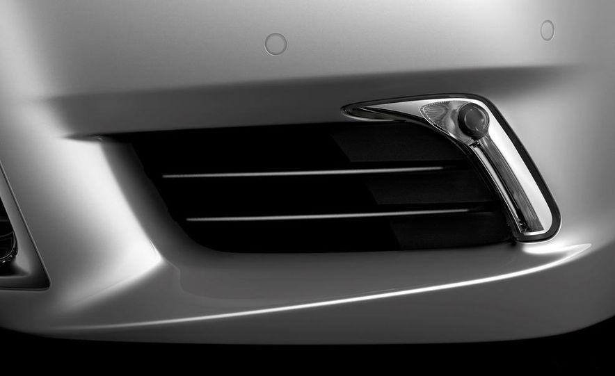 2013 Lexus LS460 - Slide 51