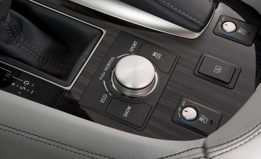2013 Lexus LS460 - Slide 31