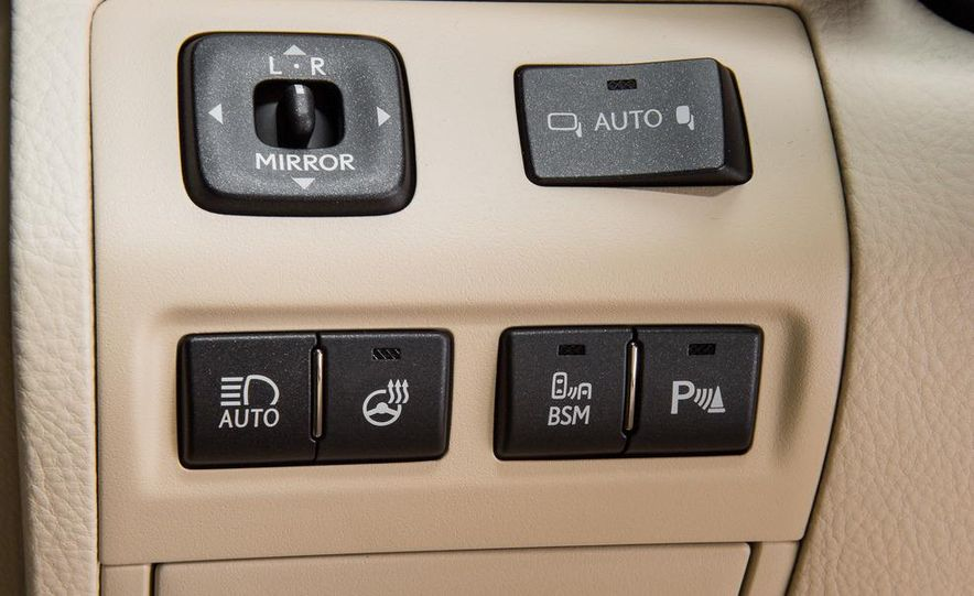 2013 Lexus LS460 - Slide 36