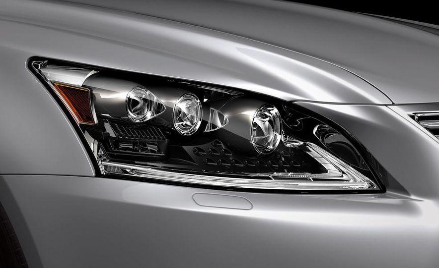 2013 Lexus LS460 - Slide 50