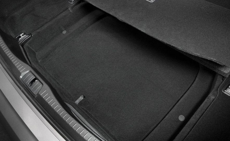 2013 Lexus LS460 - Slide 41