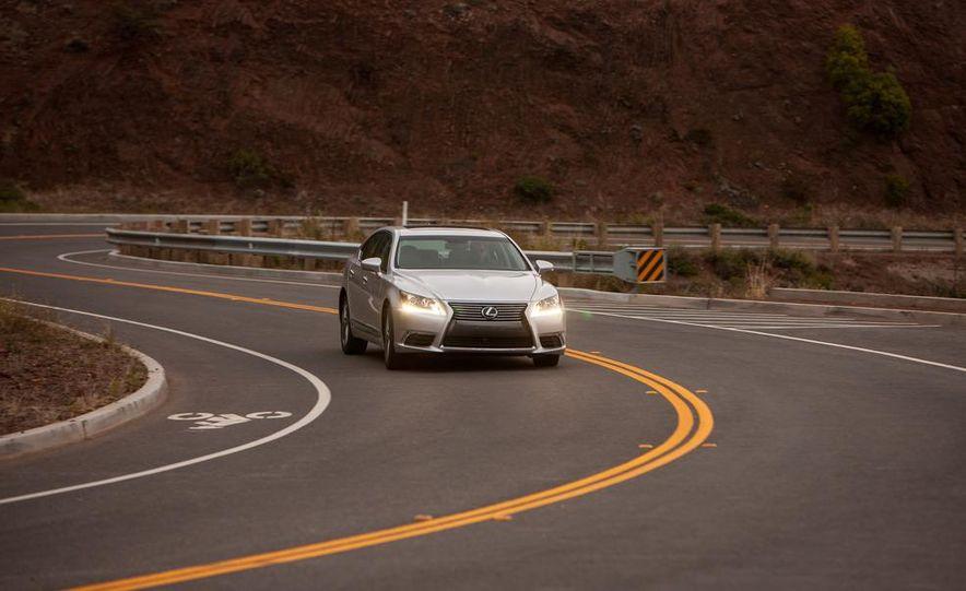 2013 Lexus LS460 - Slide 8