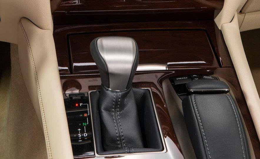 2013 Lexus LS460 - Slide 40