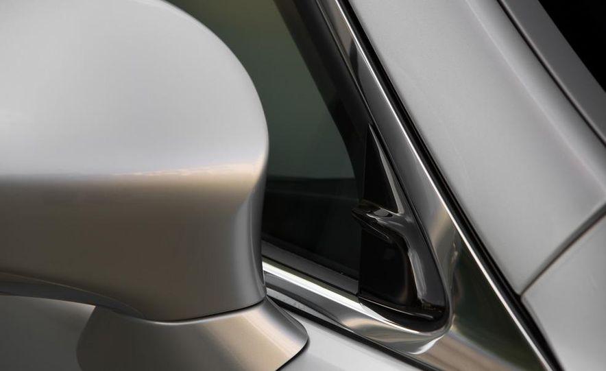 2013 Lexus LS460 - Slide 29