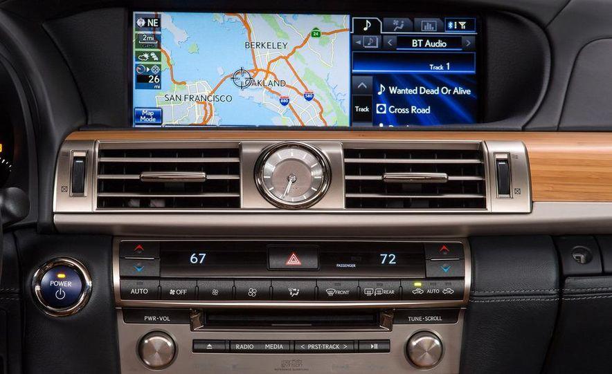2013 Lexus LS460 - Slide 121
