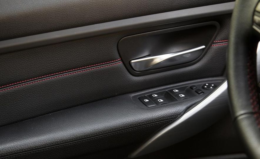 2012 BMW 328i Sport Line - Slide 33