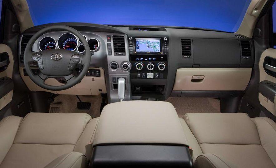 2013 Toyota Avalon - Slide 10